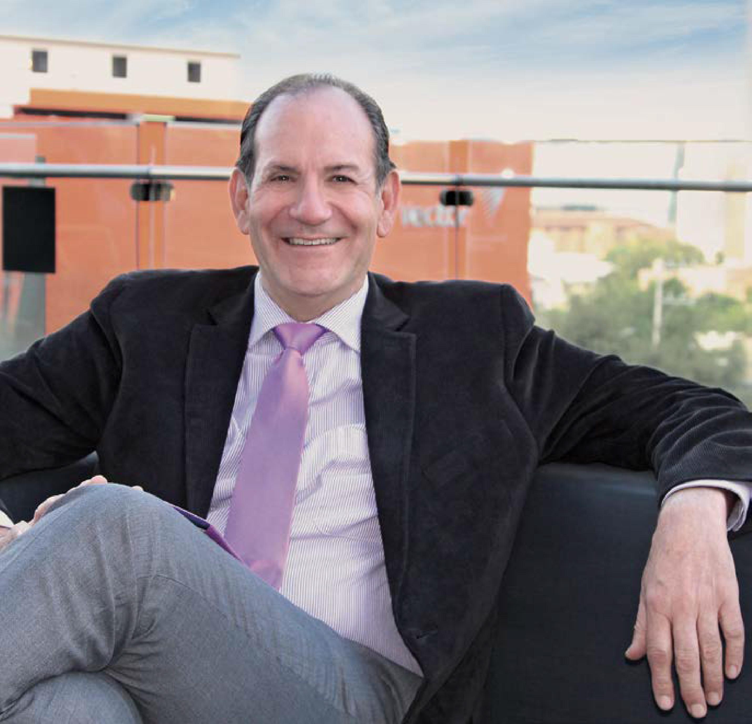 Dr. Rolando Porchini